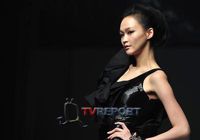 [T포토]양성숙 패션쇼, 강렬한 블랙