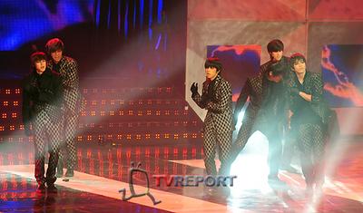 [T포토]'짐승돌' 2PM, 재범이는 우리 마음속에~