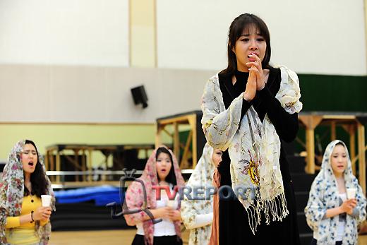[T포토] 옥주현, '가슴 뭉클 눈물연기 선보여'