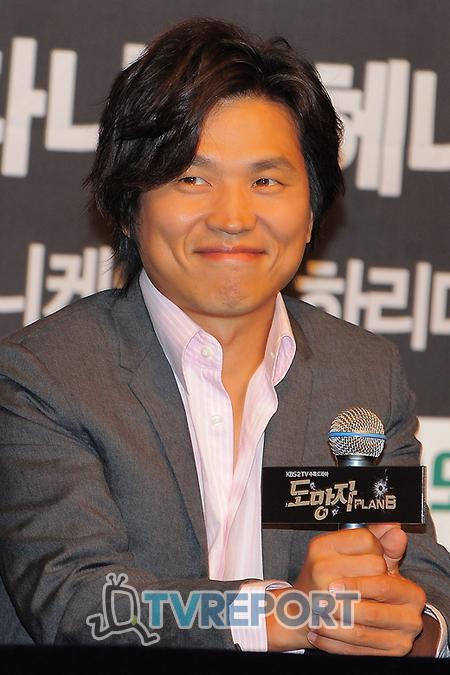 [T포토] '도망자' 곽정환 감독 '아테나보다 재미있을 것!'
