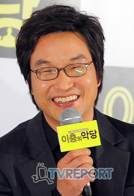 [T포토] 한석규 '우리 (김)혜수와 다시 만나 기뻐요!'