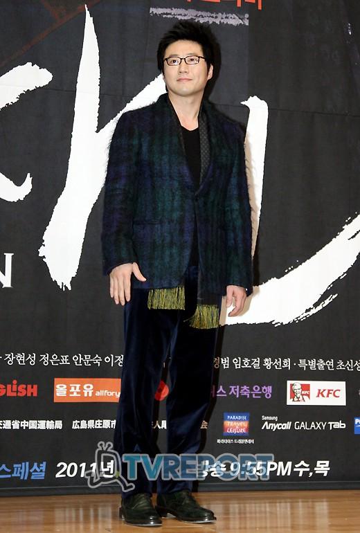"""[T포토] 박신양, """"오랜만에 인사드려요"""""""