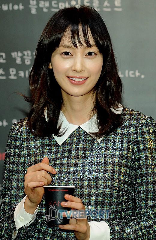 """이나영-SBS 측 """"'신사의 품격' 출연, 확정 아니다"""""""