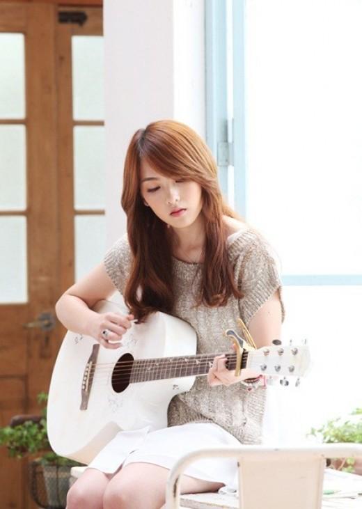 카라 강지영, 생애 첫 기타연주 도전…초신성 건일과 호흡