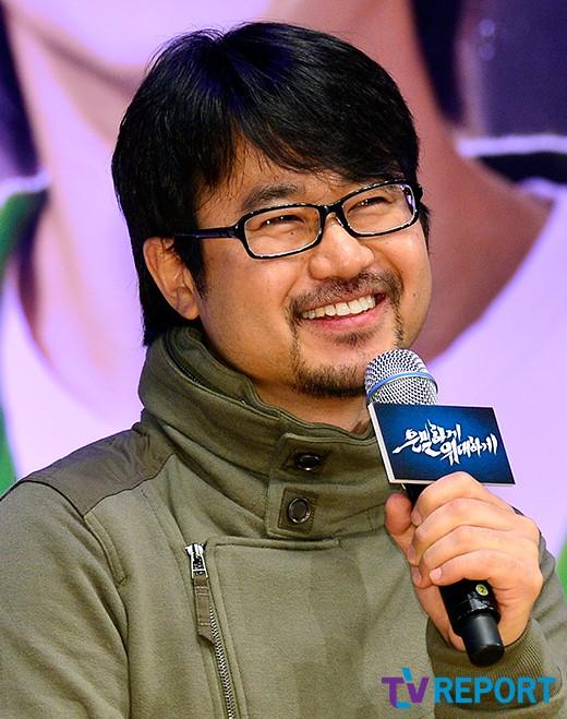 """'은밀하게 위대하게' 감독 """"김수현 근육 뇌쇄적이다"""""""