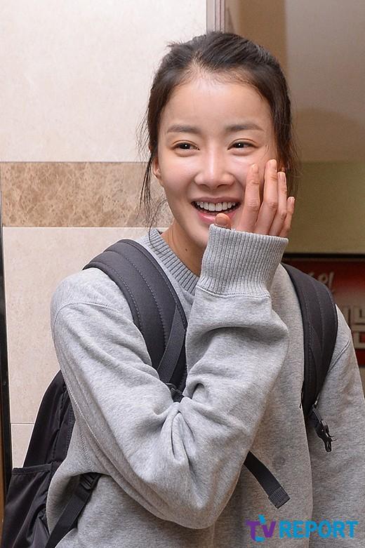 [T포토] 이시영 '화장기 제로, 동안 매력 철철'(일리있는 사랑 종방연)