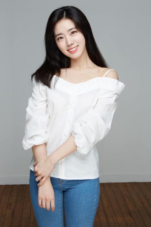 배우 한은서, FNC 엔터테인먼트 전속계약 [공식]