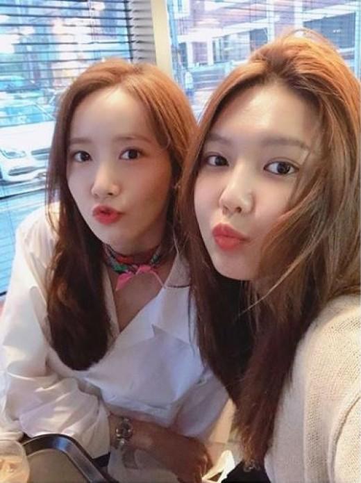 """""""끝나지 않는 수다""""…윤아X수영, 소시 우정 클래스"""