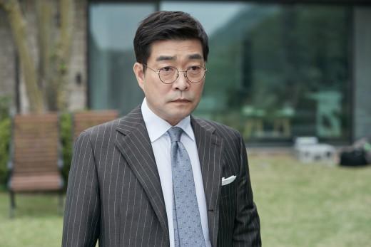 손현주, 2019 열일 행보 시동…드라마 '저스티스'부터 영화 '광대들' 까지