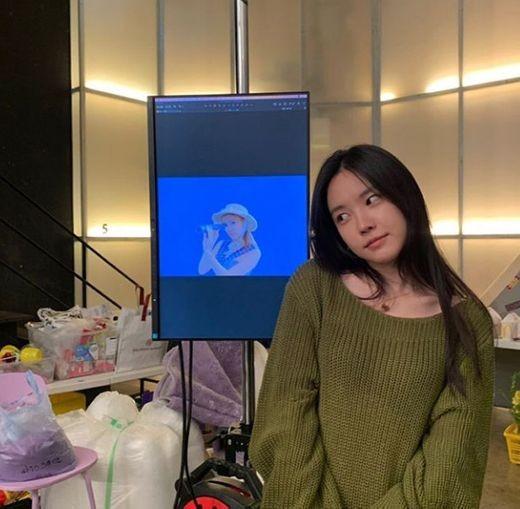 """에이핑크 손나은, 멤버 오하영 솔로데뷔 응원..""""파이팅"""""""