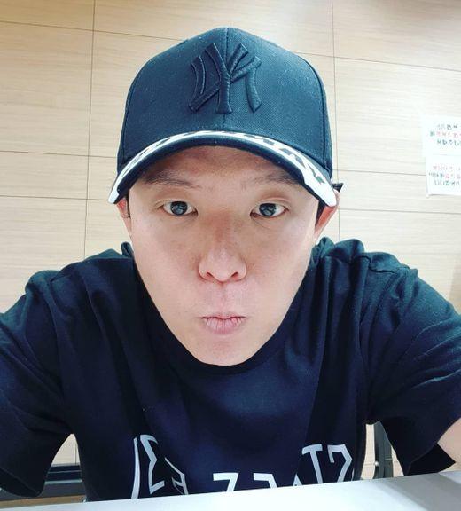 """""""우리 멤버들, 하얀 천사들 감사♥"""" 토니 안, H.O.T. 데뷔 23주년 기념"""