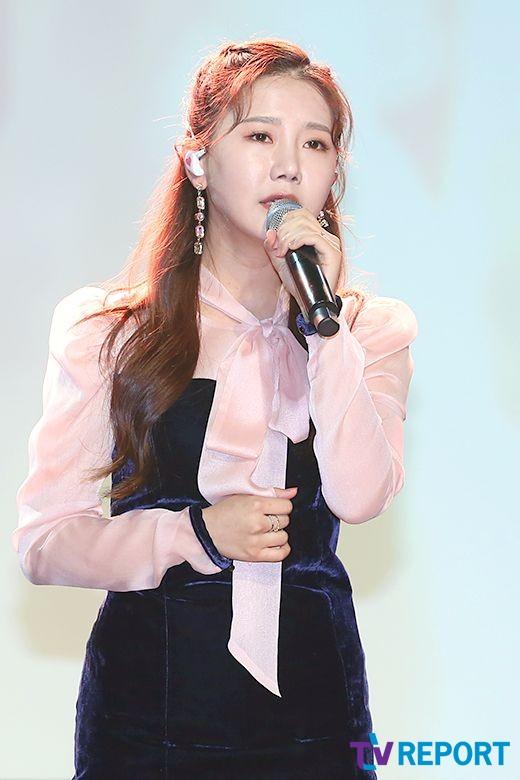 [T포토] 송하예 '한층 예뻐진 미모'