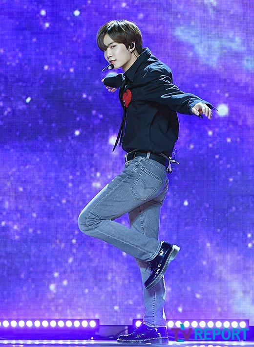 [T포토] 뉴이스트 JR '우아한 춤선'