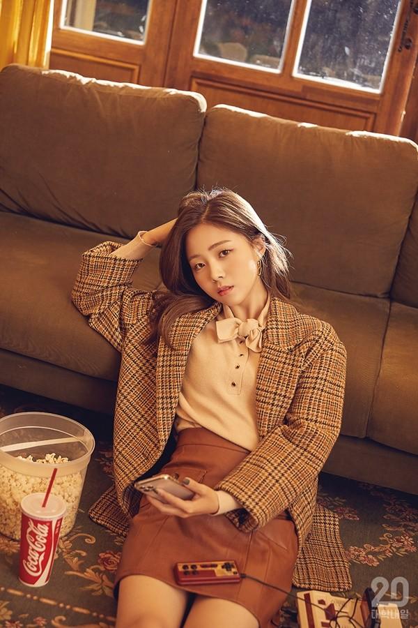 HYNN(박혜원), 가을에 딱 맞는 청순 여대생 [화보]