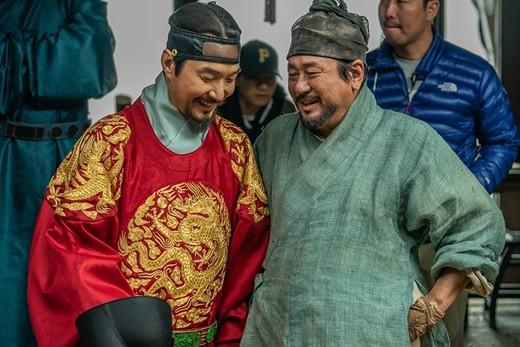 '천문' 최민식x한석규 30년 우정..하늘이 내려준 케미