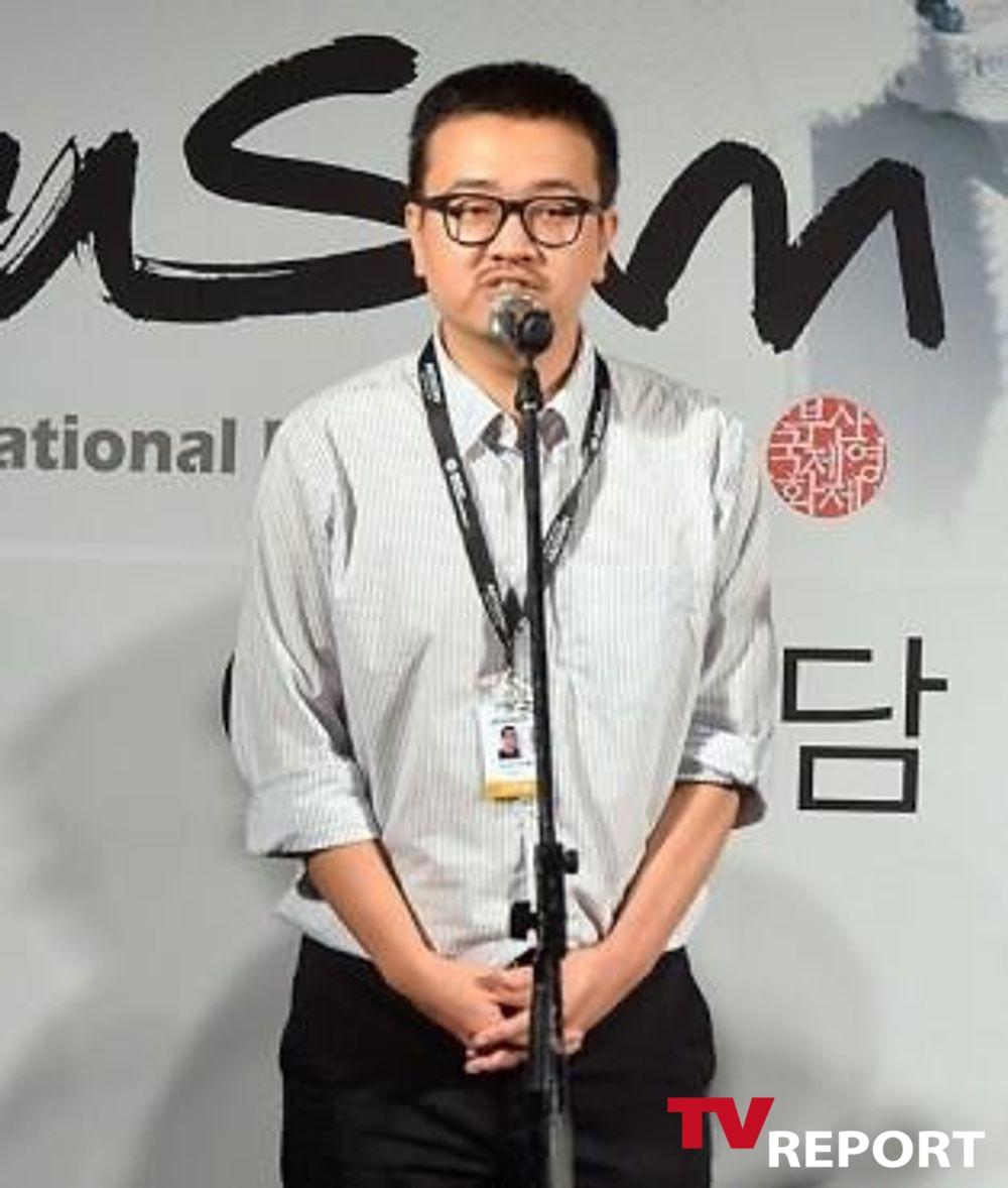 [단독] '부산행' 연상호 감독, '이동욱은토크가하고싶어서' 게스트