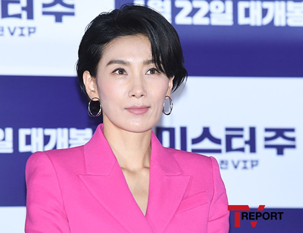 [T포토] 김서형 '새침 미소'