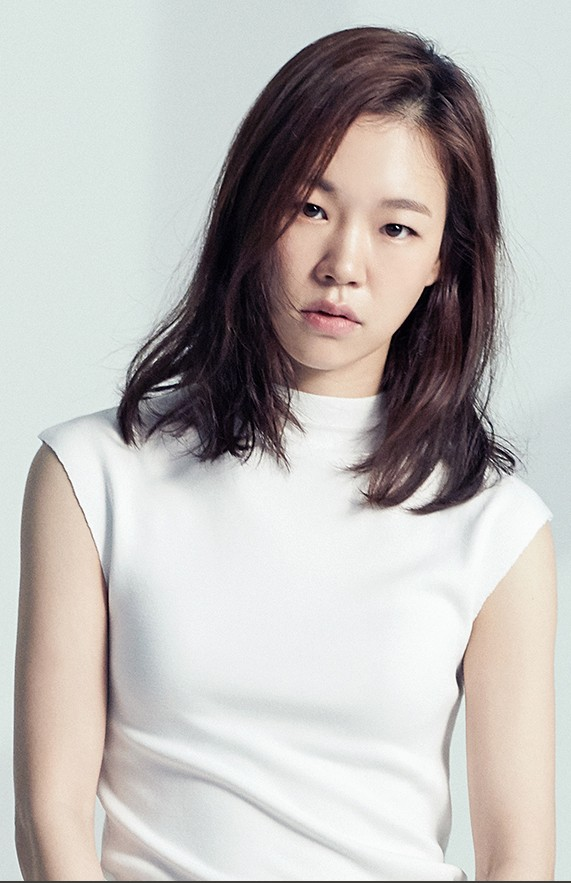 한예리, tvN '(아는 건 별로 없지만) 가족입니다' 주인공 됐다 [공식]