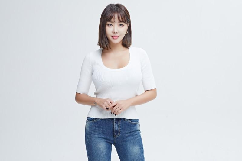 나르샤, SBS F!L '홈데렐라' MC 출격...김성주X정형돈과 호흡[공식]