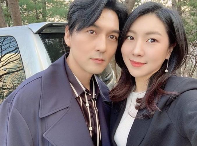 """""""오랜만에"""" 이필모♥서수연, 외모도 닮아가는 부부"""