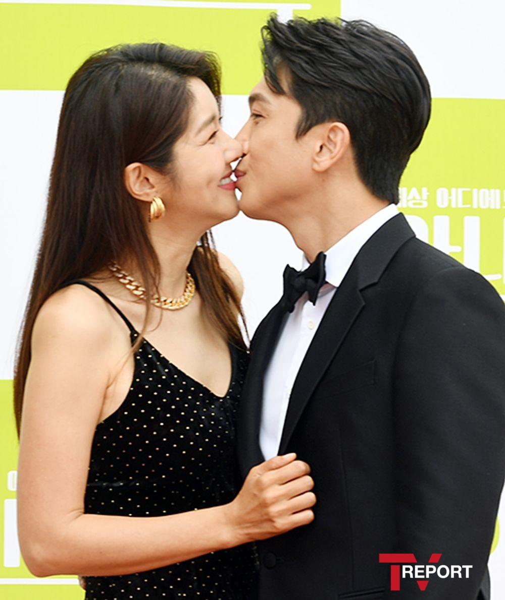 [T포토] 김빈우-전용진 '달콤 키스'