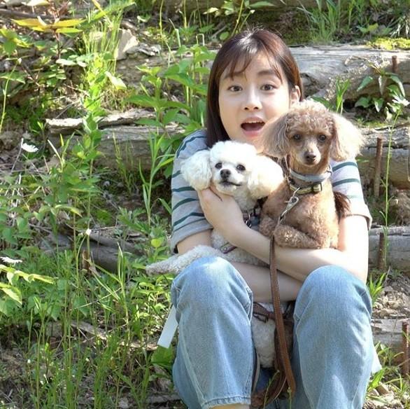 """강소라, 반려견과 함께한 가족사진 """"행복"""""""