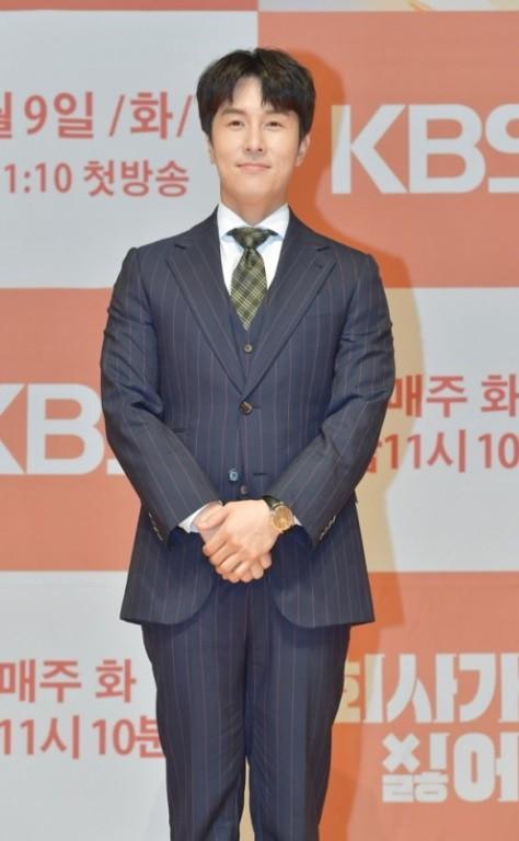 """김동완, 또 사생팬 피해 """"아티스트의 사생활 지켜 달라"""""""