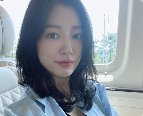 박신혜 근황 공개, 일상모습도 인형 비주얼 [리포트:컷]