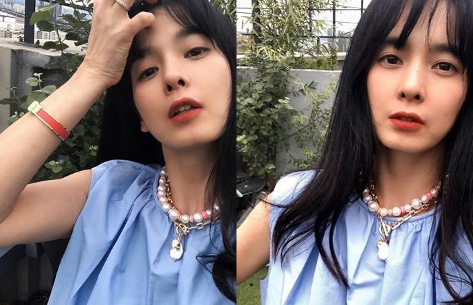 """""""방부제 미모 끝판왕""""...정혜영, '고혹+섹시' 다 잡은 근황"""