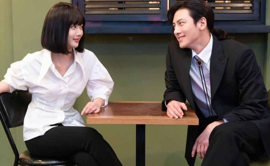 """""""눈만 봐도 까르르""""…'편의점 샛별이' 지창욱X김유정 '화기애애 현장'"""