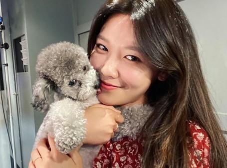 '정경호♥' 수영, 미모 포텐 터진 러블리 미소 [리포트:컷]