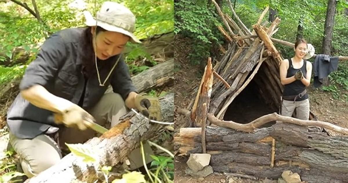 '낫+도끼'만 사용해 거대한 나무 셸터 짓고 캠핑하는 여성의 정체