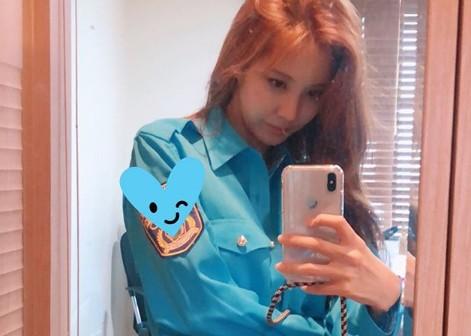 """""""미모 포텐 터졌네!""""...서현, 블루 셔츠로 뽐낸 여신 비주얼 [리포트:컷]"""