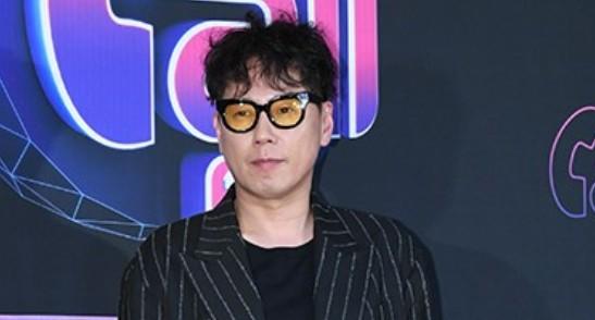 """'자가격리' 윤종신 """"코로나19 검사 결과 음성...어머니 걱정 감사"""""""