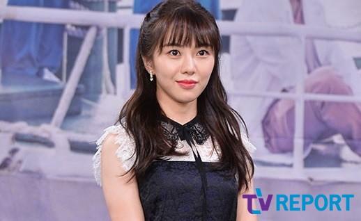 """전 AOA 권민아가 다시 저격글을 올린 이유 """"누구도 사과하지 않아""""[전문]"""