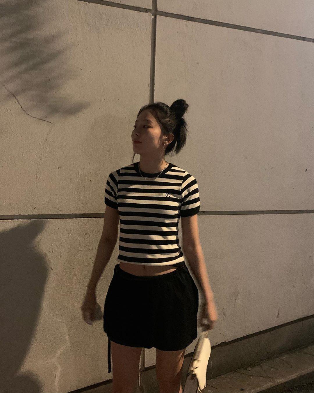 레드벨벳 슬기, 한적한 길에서 자유롭게…즐거운 밤놀이 [리포트:컷]