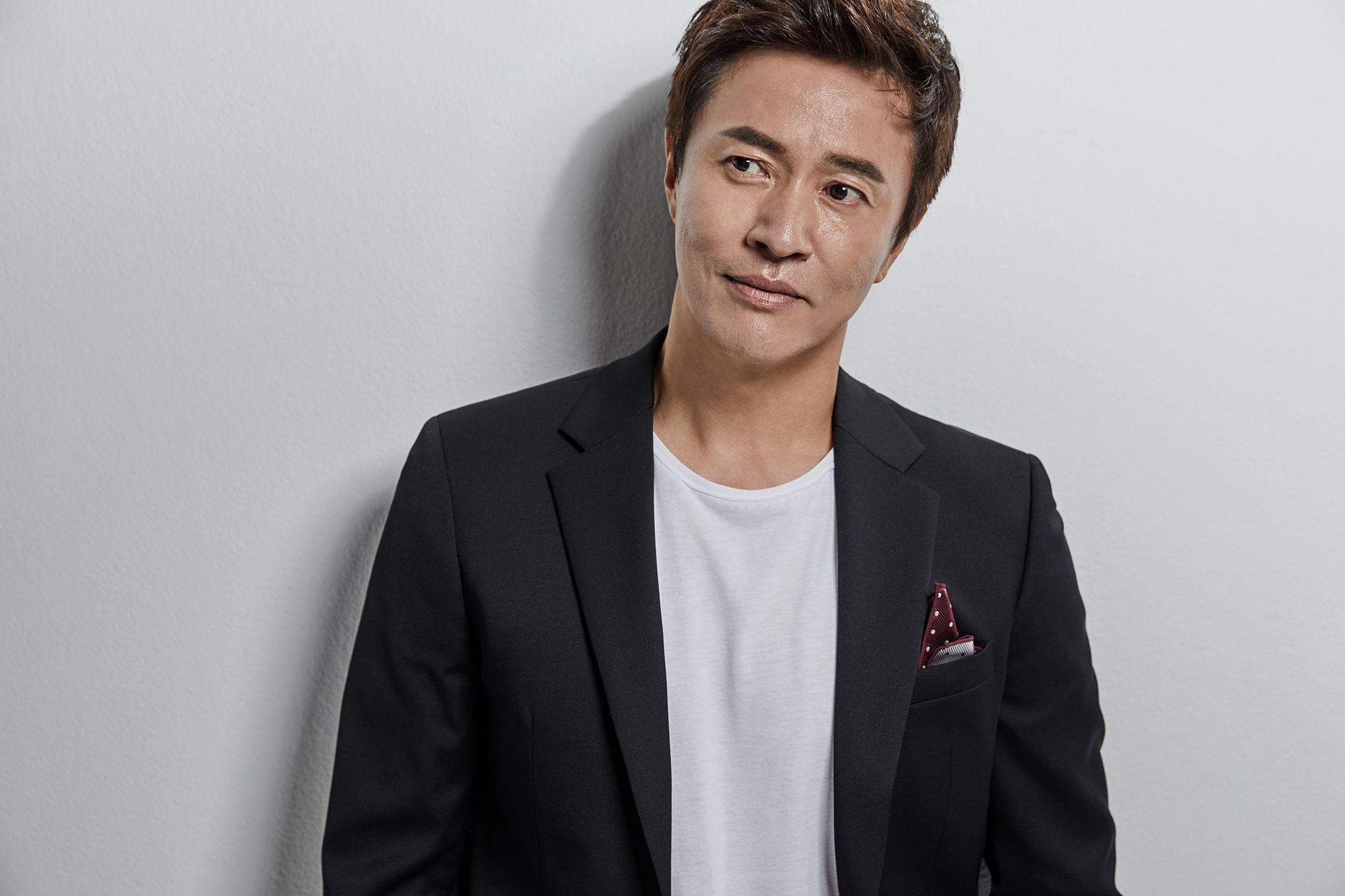 """[리폿사진관] """"독한 악역 꿈꾼다""""…가수 겸 배우 김정민의 얼굴"""