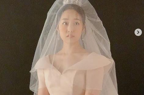 """배우 박보미,♥박요한과 결혼 발표→웨딩드레스 자태 공개 """"저 결혼합니다"""" [전문]"""