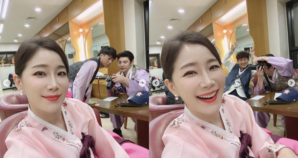 """김하영, 고운 한복자태로 뽐낸 동안미모 """"40대 맞아?"""" [리포트:컷]"""