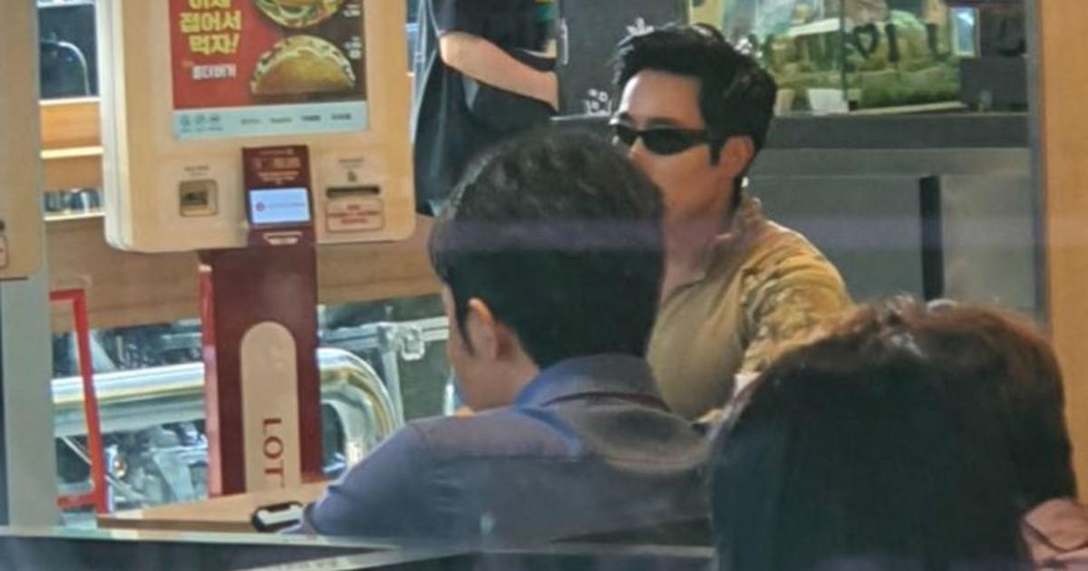 """""""패티 인성 문제있어?""""…이근 대위, 롯데리아 광고 촬영?"""
