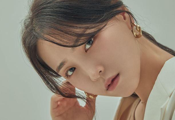 [리폿사진관] '수식어' 필요없는 배우 김지은의 아름다움