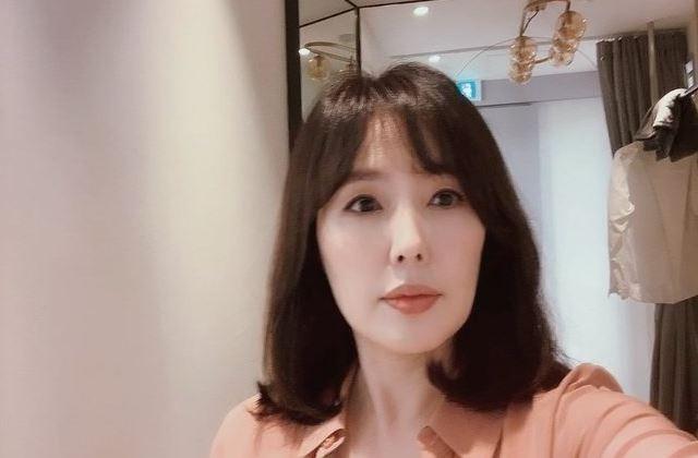 """""""여전히 아름다운 '최수종♥'""""…하희라, 여신급 근황 [리포트:컷]"""