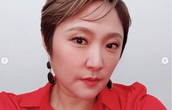 김현숙, 또렷해진 브이라인+더 예뻐진 근황 '다이어트 순항중' [리포트:컷]
