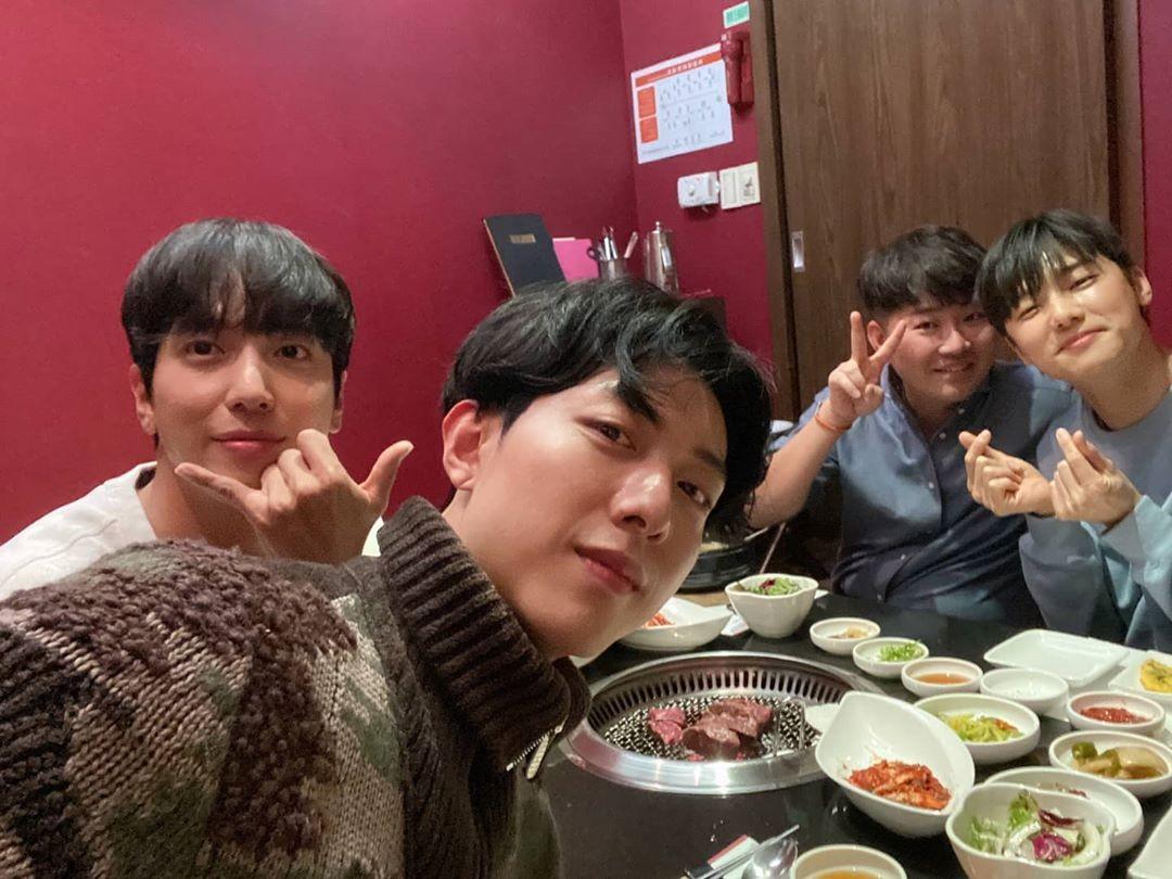 """정용화X이정신X강민혁, FNC수장 한성호와 식사 """"앞으로의 10년도 지금처럼"""""""