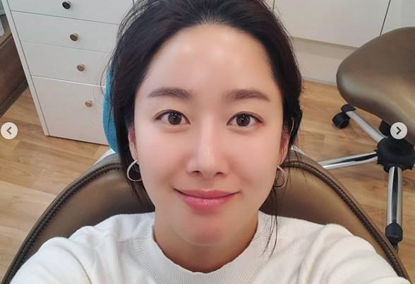 """전혜빈, 치과의사 남편에게 진료 받는 달달 신혼일상 """"선생님, 안 아프게!"""""""