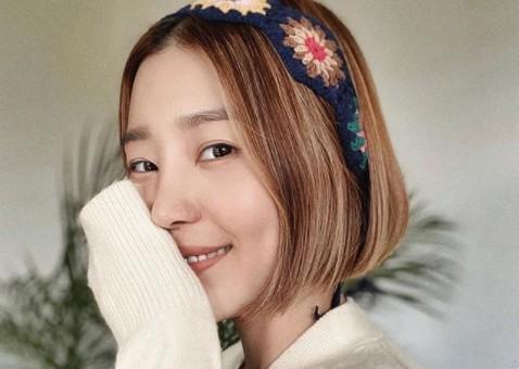 """신다은, 수제 머리띠로 뽐낸 러블리 매력 """"♥임성빈 또 반할 미모"""""""