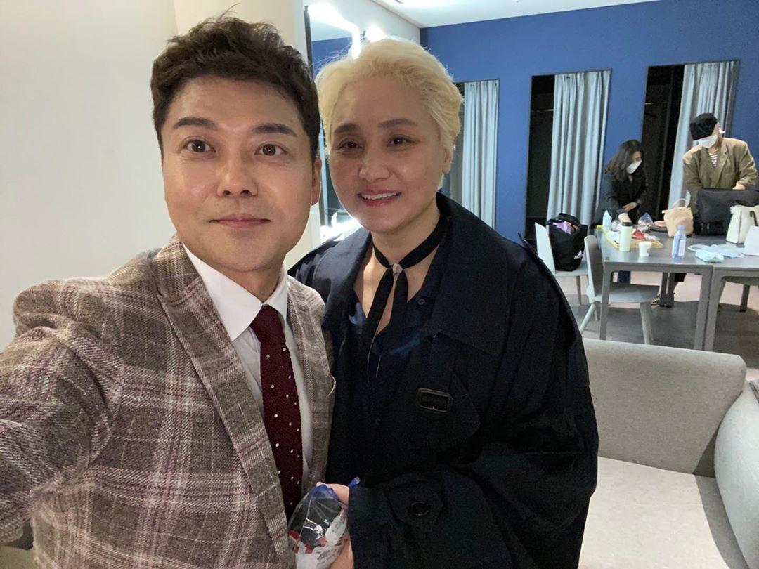 """전현무X이소라, 팬심 가득 투샷 """"연예인의 연예인"""""""