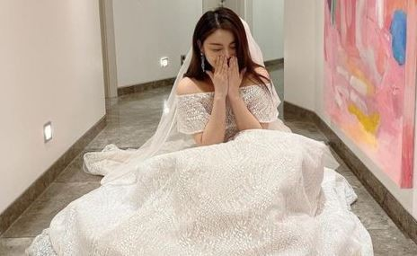 에일리, 웨딩드레스 사진으로 콘서트 홍보? '허탈'