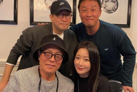"""김희선, 허영만X손현주X정준하와 화기애애 회동 인증샷 """"오붓하게"""""""