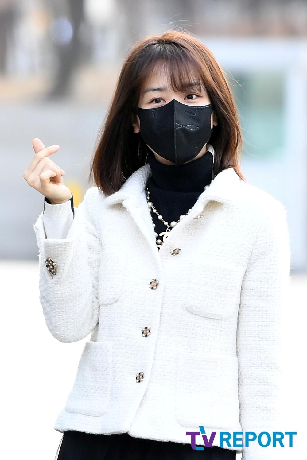 [T포토] 박하선 '깔끔한 블랙앤화이트'